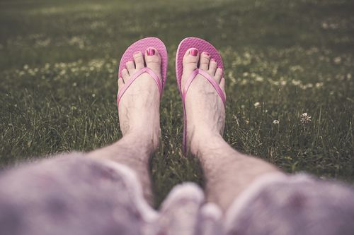 Friday fiction women's feet in flip flops ryan maguire no cpyrt