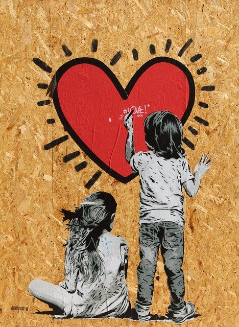 Graphic children painting heart murals-1320739_640